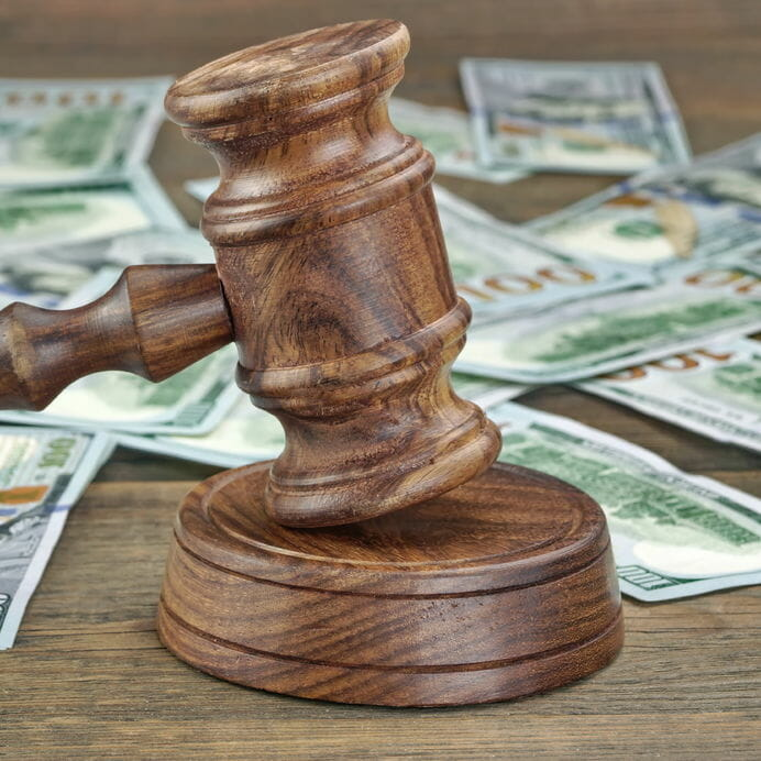 Public Defenders vs Private Defenders - The cost of hiring a lawyer
